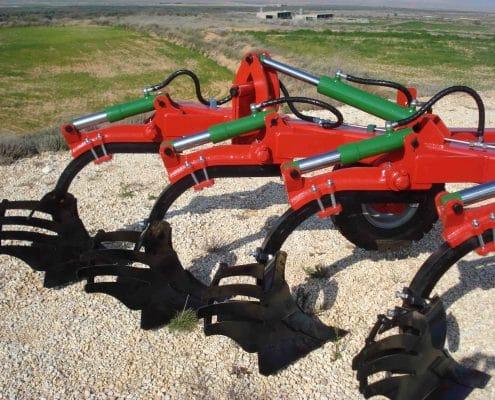 Arado agrícola de vertedera hidroneumática