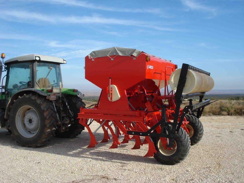 Maquina agrícola para siembra directa con reja