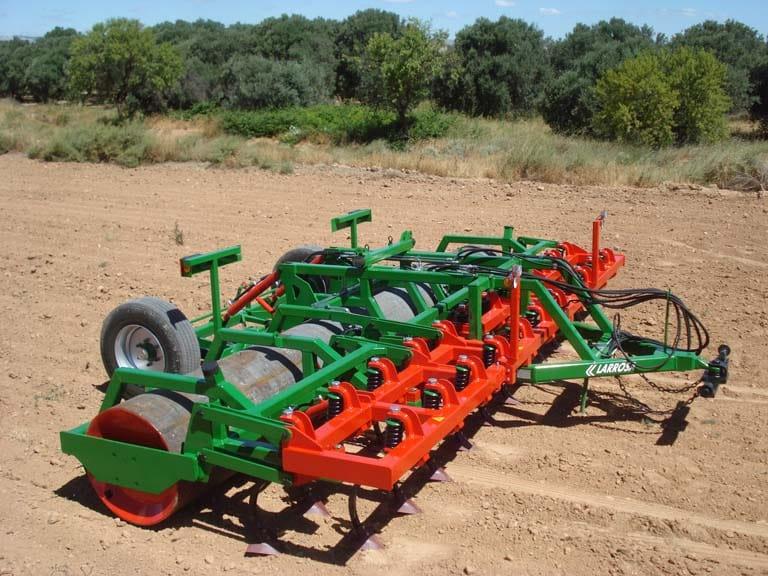 Rulos agrícolas plegables con cultivador