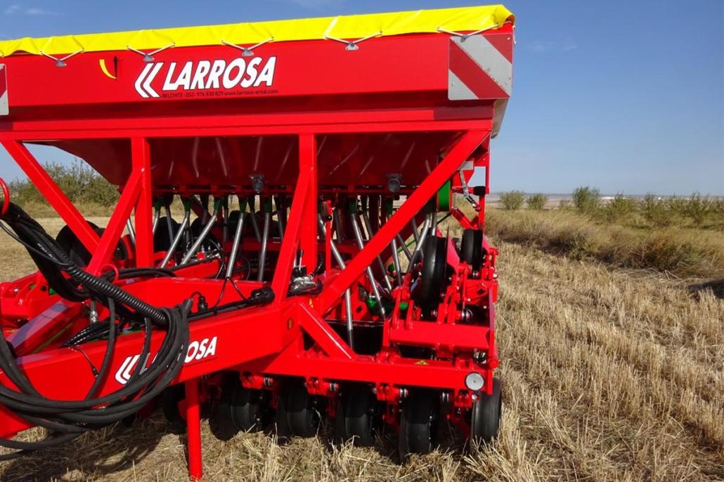 Sembradora con 4 discos de ancho para agricultura